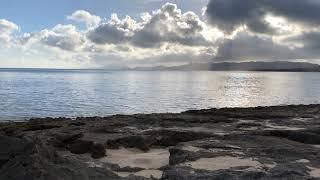石垣島で宿泊した宿の前の海で撮影したタイムラプス。静かな海と流れる雲が綺麗。