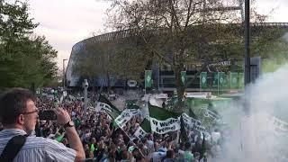 Wahnsinn! Die Ankunft des Mannschaftsbusses des SV Werder Bremen