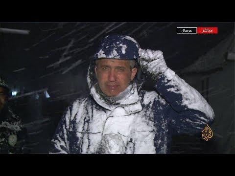 العواصف الثلجية تزيد معاناة اللاجئين السوريين بمخيم عرسال اللبناني  - 22:53-2019 / 1 / 16