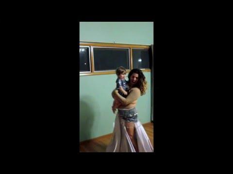 Belly Dancing with baby Mila (Nancy Ajram - Yarab Tekbar Mila)