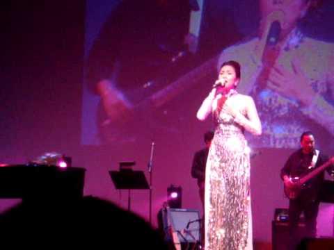 Tang Thanh Ha - Bong Dung Muon Khoc ( Live)