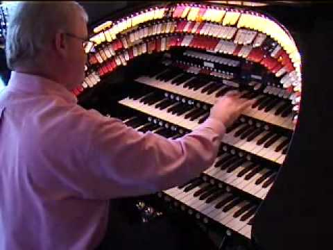 Jim Riggs at the Wurlitzer