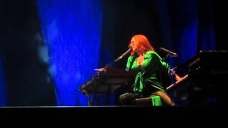 Tori Amos - Curtain Call - Istanbul 2014 HQ audio