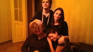 Семейное фото. Петя дрочит хорька. Шок! Видео!