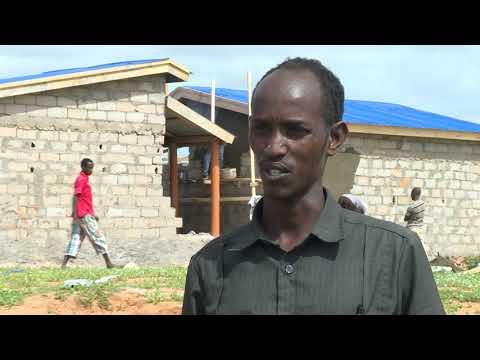 SOOMAALI QAXOOTI AH OO KU LAABTAY KISMAAYO: BBC News Somali