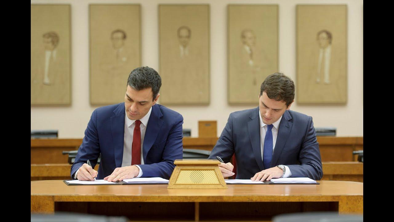 Pedro s nchez y albert rivera firman el acuerdo para un for Acuerdo de gobierno psoe ciudadanos