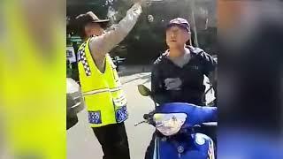 Punya Beking Pimpinan Polisi, Pemotor ini sok jago dan arogan pas di Bentak PROVOST  langsung mewek