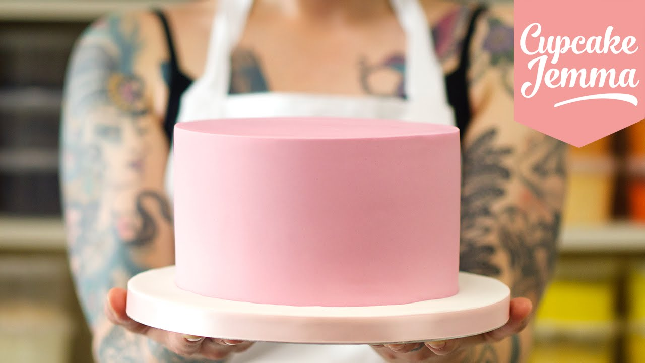 How To Cover A Cake With Buttercream