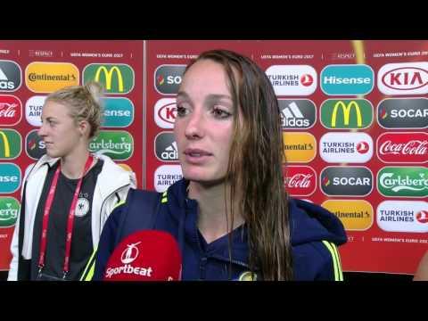 Asllani Kosovare na afloop van Duitsland vs Zweden 0 0
