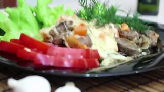 Куриная печень запеченная с помидорами и сыром в духовке по милански