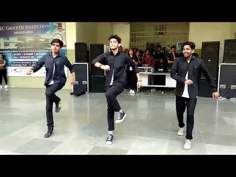 Dance with Comedy Steps @ IEC INNOVISION 2K18 (IEC GROUP DANCE- MALE).    #echosmart