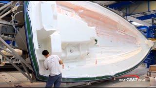 Моторные яхты и парусные яхты верфи Beneteau: секреты производства(http://www.boatmarket.ru/beneteau/ BoatMarket - продажа яхт Beneteau. Сегодня мы находимся на фабрике Бенету и подробно разберемся,..., 2014-10-22T05:29:38.000Z)