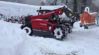 Weidemann T5522 Schneeräumen mit Bema Schneepflug V800