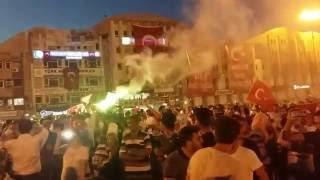Sakarya halkından büyük destek darbeye hayır diyen halk kent meydanında toplandı ..