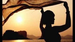 Play Lebanese Blonde (Instrumental Mix)