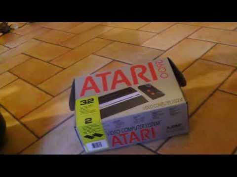 UNBOXING ATARI 2600 jr AND CONNECTION ON LCD TV ita
