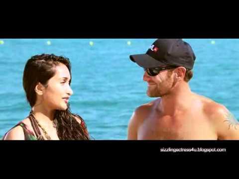 Jiah Khan hot in bikini in movie Housefull