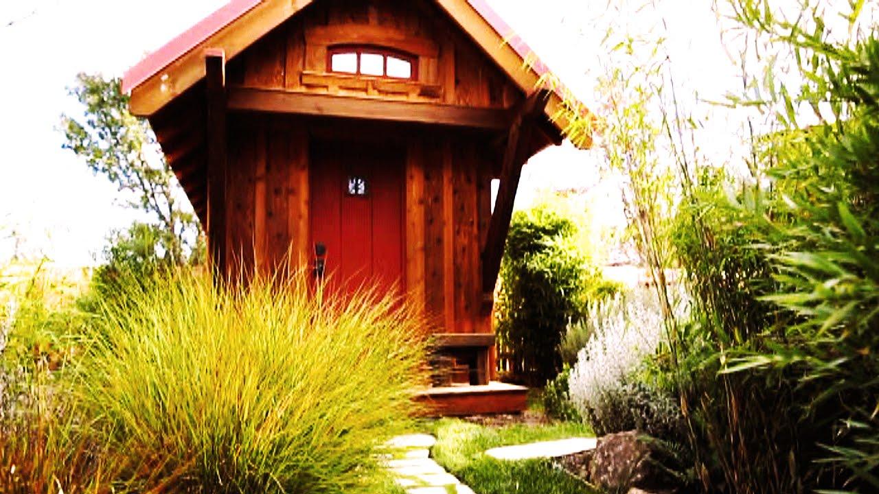 Teeny Tiny House Tumbleweed Box Bungalow Youtube