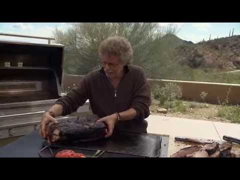 steven raichlen roasts a 22lb prime rib on the kalamazo. Black Bedroom Furniture Sets. Home Design Ideas