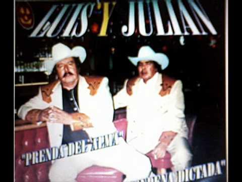 El Botas Blancas == Luis y Julian