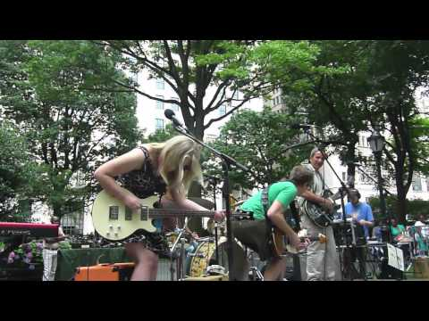 Mad. Sq. Kids: David Weinstone and the Music for Aardvarks Band
