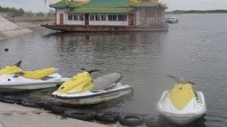 Урумчи Водный рай.(Парк Водный рай занимает весьма большую территорию на юге Урумчи. Тут два озера по которым плавают утки..., 2014-03-10T01:25:16.000Z)