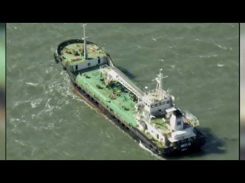 Somalia pirates demand ransom for oil tanker
