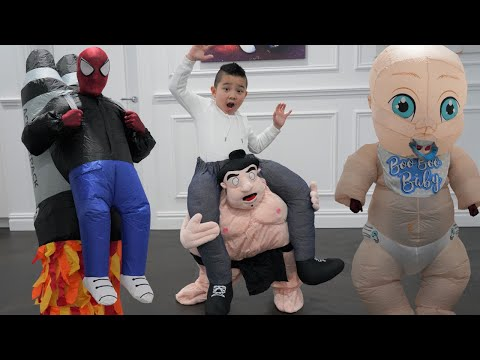 Funniest Costume Runway Show Ever With Calvin Kaison Spider-Dad