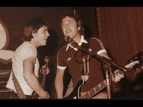 "Pre - AC/DC - MALCOLM YOUNG & GEORGE YOUNG "" I'm Your Ape Man"""