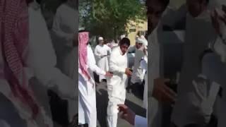 بالفيديو.. مضاربة عنيفة بين أساتذة بجامعة طيبة