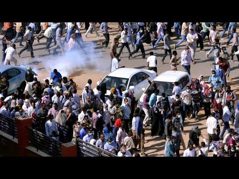 احتجاجات السودان: الشرطة استخدمت الرصاص الحي لتفريق المتظاهرين في أم درمان