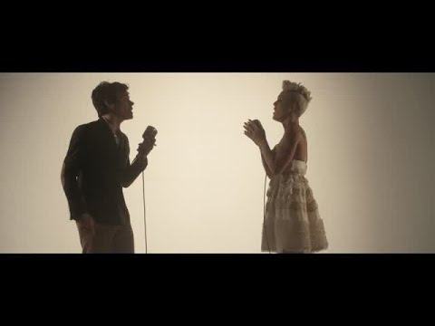 Just Give Me A Reason - Pink Ft Nate Ruess Lirik dan Terjemahan