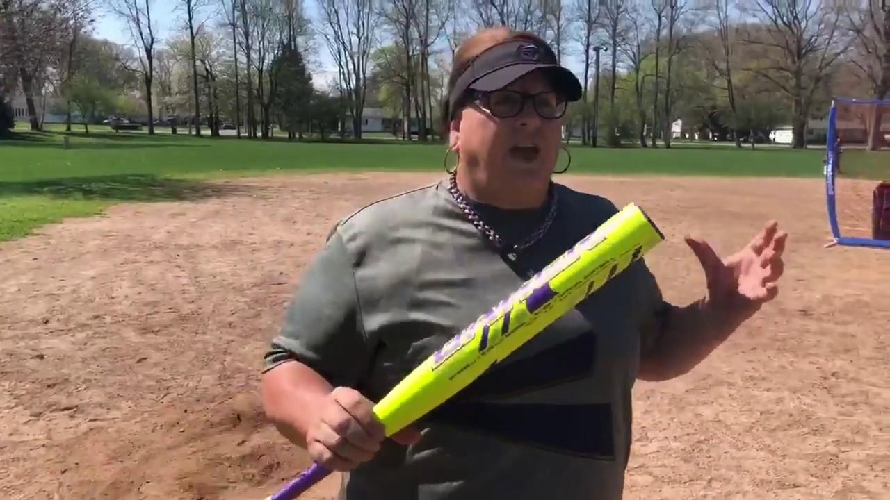 Christan Dowling's 2018 Easton Baker Balanced Slowpitch Softball Bat Review