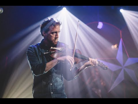 Colm Mac Con Iomaire & Aoife O'Donovan - Lakes of Pontchartrain | #Courage2020 on YouTube