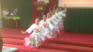 Tiết mục múa bài Chúng Con Canh Giấc ngủ cho người do CLB văn nghệ Hoà Phú biểu diễn
