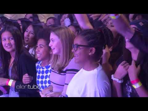 BTS MIC Drop (Steve Aoki Remix) LIVE at ELLEN SHOW 171127