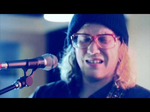 Allen Stone - Unaware (Live From His Mother's Living Room)