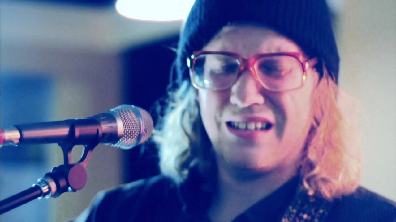 Unaware Allen Stone Live From His Mother S Living Room Lyrics