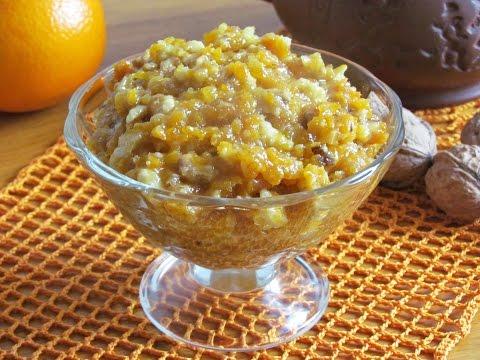 Витаминная смесь из грецких орехов, кураги, лимона и меда