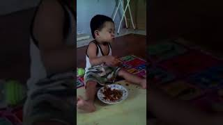So funny baby reaction😂😂😂