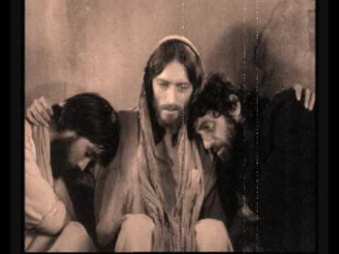 "VANGELIS 12 o'clock 1975 (Best video ever seen) - ""Luis Moreira (Setúbal - Portugal)"""