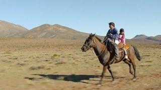 """""""Camino a la escuela"""" (Sur le chemin de l'école) - Trailer en VOSE"""