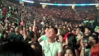 PSY - GANGNAM STYLE (강남스타일) M/V in America 5000 people dancing or watching at once