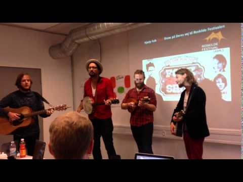The Folk Road show on surprise visit at the Copenhagen Business Academy, October 2015