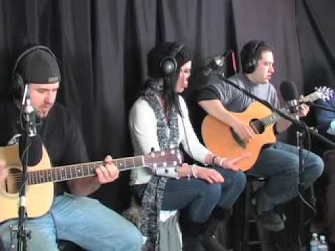 """Evro - """"Harder To Breathe"""" (Maroon 5) LIVE & Acoustic On Cellar Sessions"""