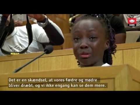 Grædende pige prøver at råbe politikerne i Charlotte op - DR Nyheder