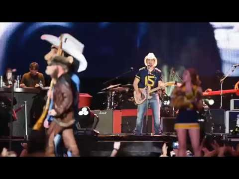 Brad Paisley and Chris Young concert at WVU 9-10-16