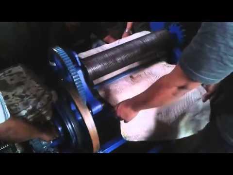 Mesin Press Karet Bermotor / Mesin Hand Mangel Karet Bermotor