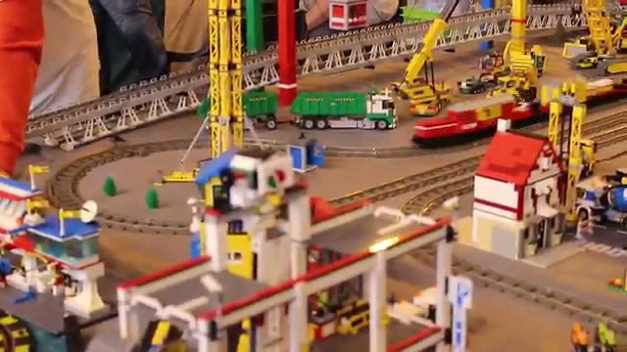 trains lectriques expo 100 lego ch 39 ti brick 2 2 3 mai 2015 youtube. Black Bedroom Furniture Sets. Home Design Ideas