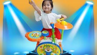 심심할때는 이걸 가지고 놀아요!! 서은이와 아빠의 뽀로로 드럼 율동 동요 노래 주제가 Pororo Drum Rursery Rhyme